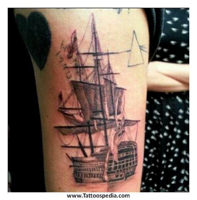 bafb8da77a20 Moth tattoo harry styles - photo 17