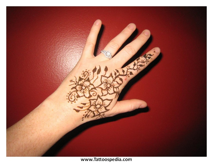 Is a henna tattoo permanent 8 for Henna tattoo permanent