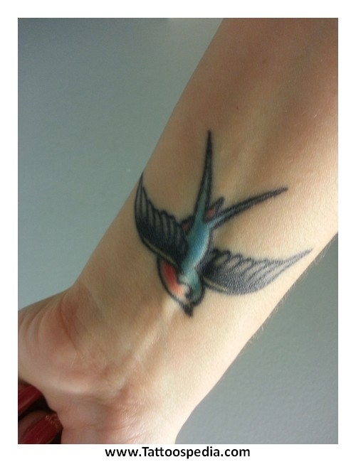 what does a swallow tattoo mean 1